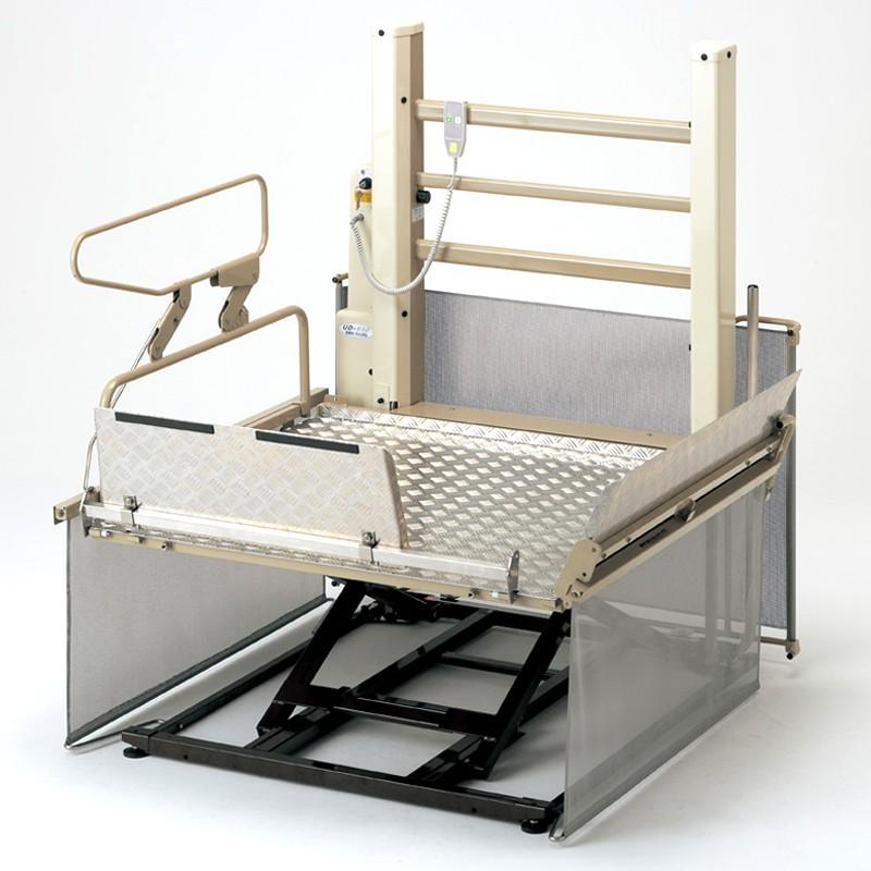 車椅子用段差解消機 UD-650L