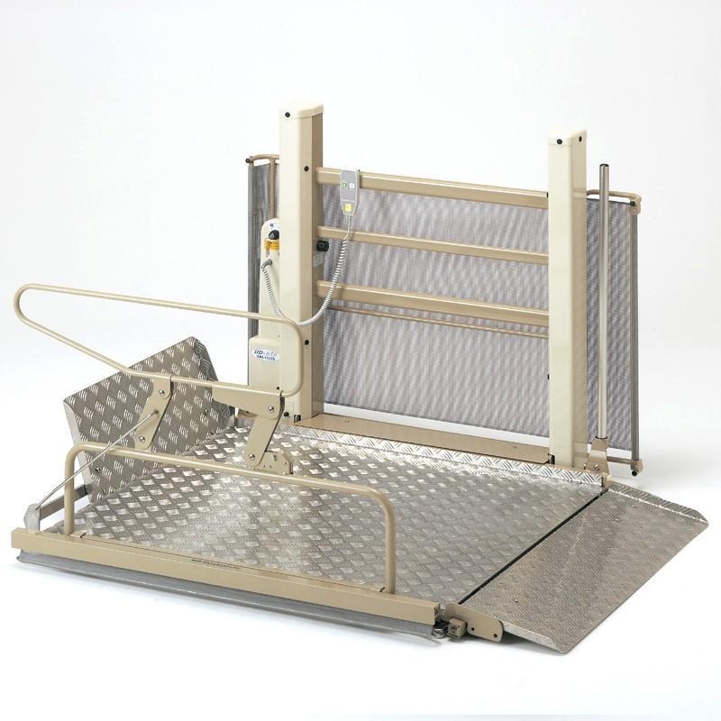 車椅子用段差解消機 UD-650S